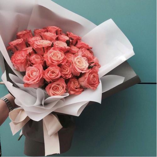 Купить на заказ Букет из 31 розовой розы с доставкой в Каратау