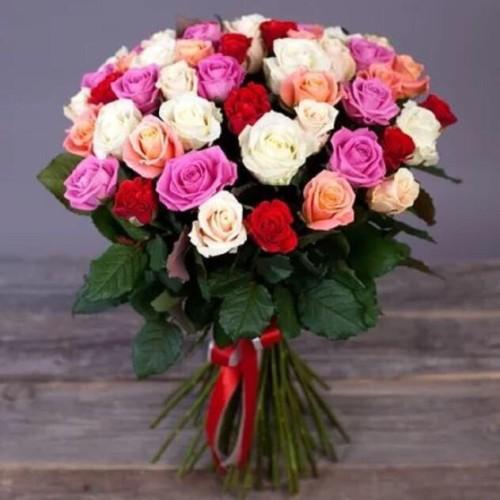 Купить на заказ Букет из 31 розы (микс) с доставкой в Каратау
